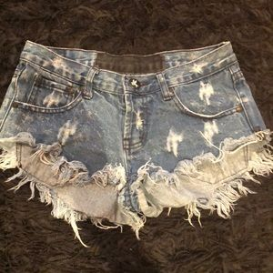 SUPER RIPPED ONE TEASPOON DENIM SHORTS SIZE 25